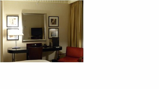 Sofitel Washington DC : sitting area in the room