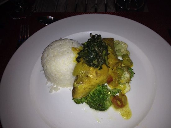 BUSHBAR : Curried Red Snapper
