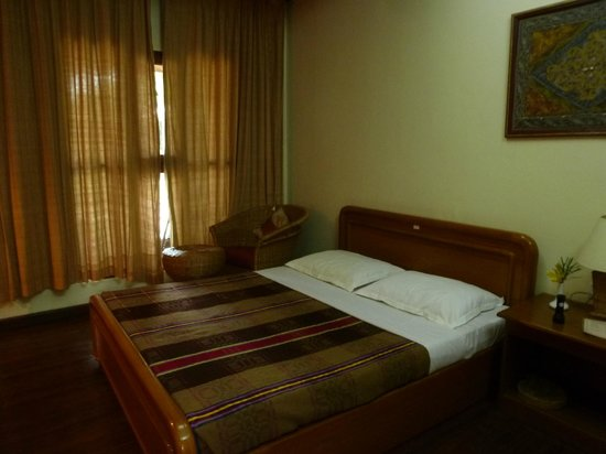 Golden Sunrise Hotel: habitacion