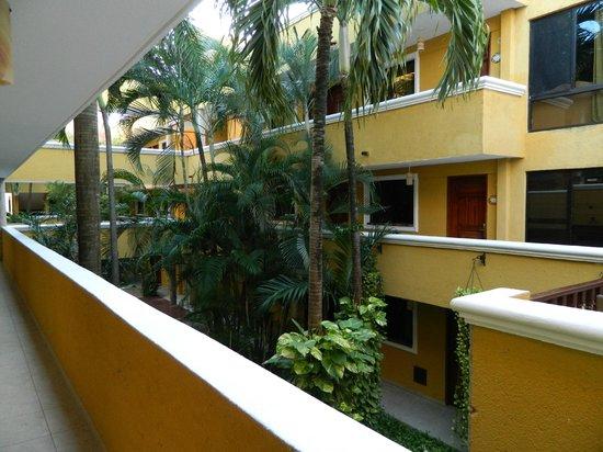 Hotel Las Golondrinas: La vista interior