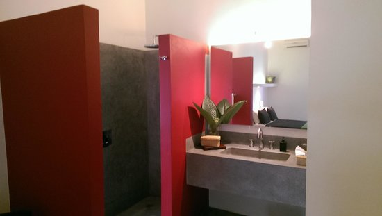 Viroth's Villa : Bathroom