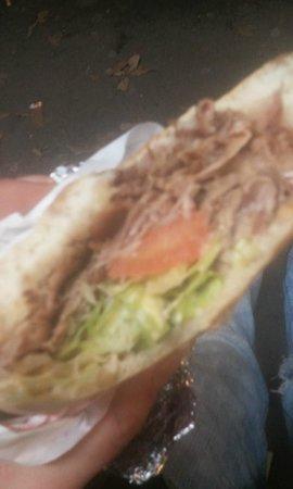 Blu Istanbul: mai visto un kebab cosi brutto.