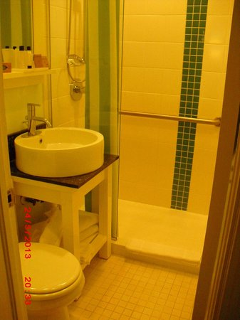 Washington Park Hotel: bathroom