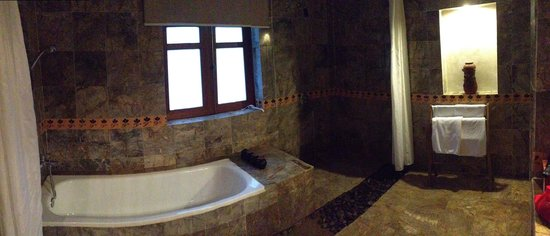 Pilgrimage Village: Our bathroom