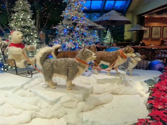 Beau Rivage Resort & Casino Biloxi: Robot Huskies