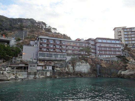 Seiryu: 海側からのホテル
