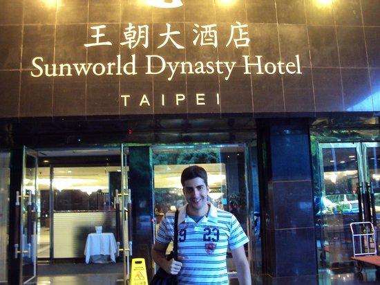 Sunworld Dynasty Hotel Taipei: Fachada do Hotel