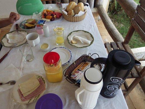 Pousada Vale Do Luar: Café da manhã
