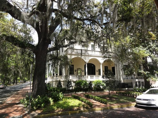 Savannah Historic District: One of many !