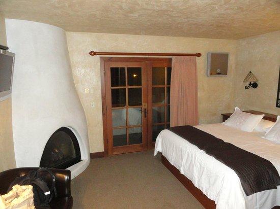 Hotel Chateau Chamonix : Corner room, first floor