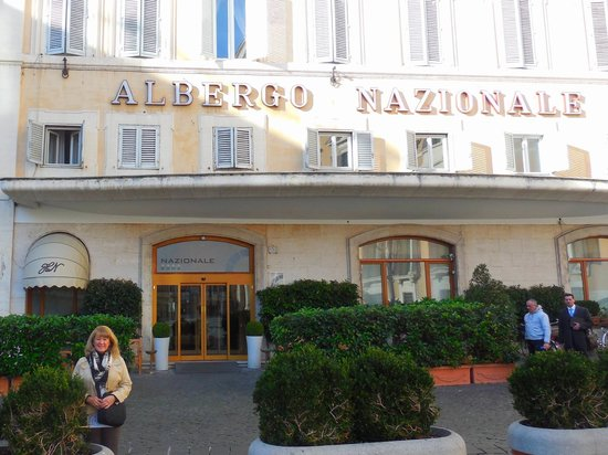 Hotel Nazionale: Front entrance to the historic 1733 building