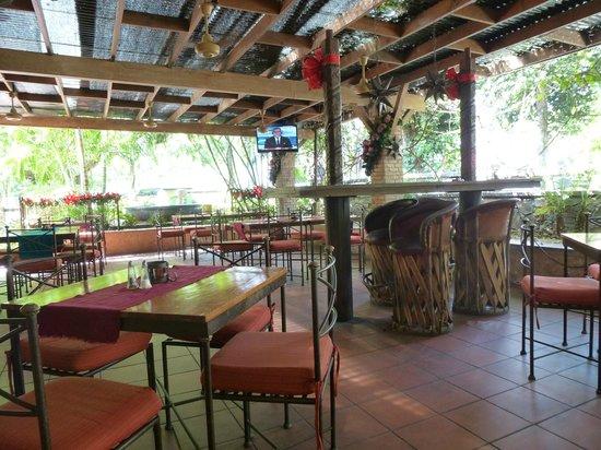 Hacienda Real: Ground-floor open-air patio