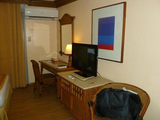 BEST WESTERN Boracay Tropics Resort : TV