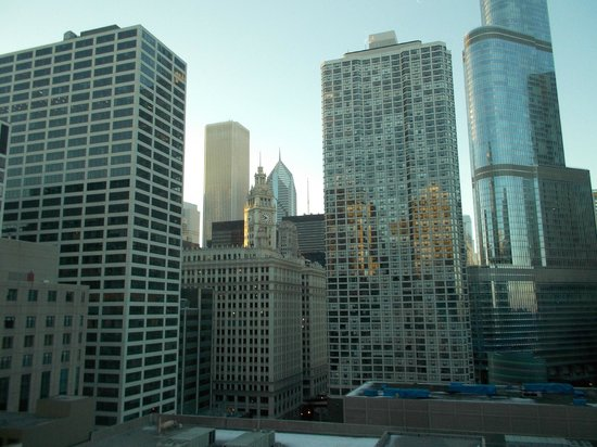 Homewood Suites by Hilton Chicago-Downtown : Out our 13th floor window