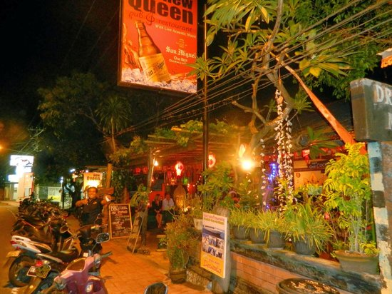 New Queen Pub & Restaurant : :)