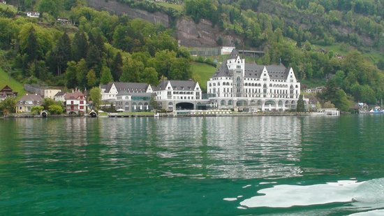 Mt. Rigi: On the boat you pass some wonderful buildings