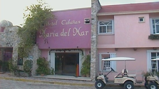 Cabanas Maria Del Mar: entrance to front desk