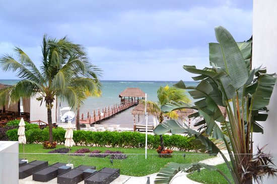 Azul Beach Hotel: View from junior suite room 700's