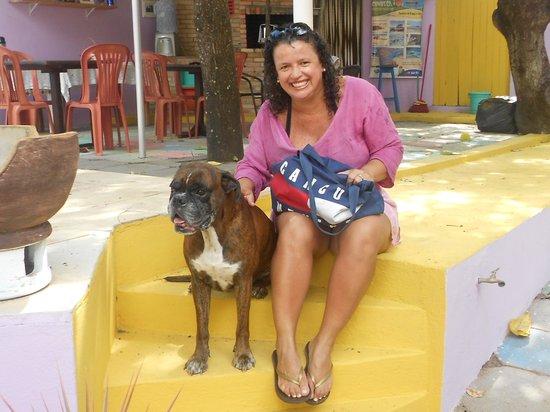 Charme Chales: Eu e o cachorrinho, me sinto em casa.