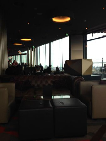 Salon cosy picture of skylounge amsterdam tripadvisor for Photo salon cosy