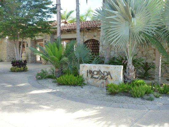 Hacienda Beach Club & Residences : Resort lobby
