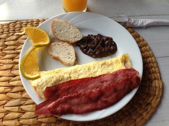 Hotel CalaLuna Tulum: delicious breakfast