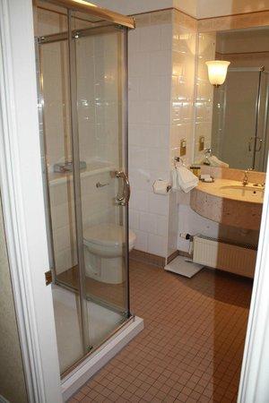 Kingsmills Hotel : washroom