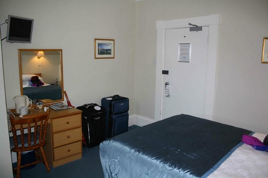 St Clair Hotel: tiny room but cozy