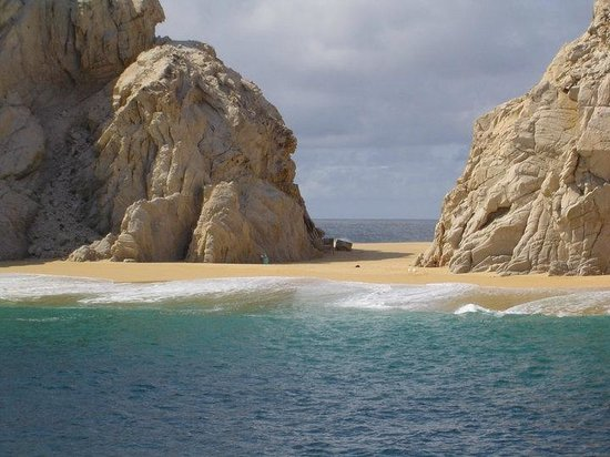 CaboRey Luxury Dinner Cruise: On CaboRey near the Famous Arch (LoversBeach)