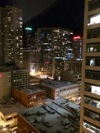 Residence Inn Chicago Downtown/River North: View From 19th Floor Room Looking Northeast