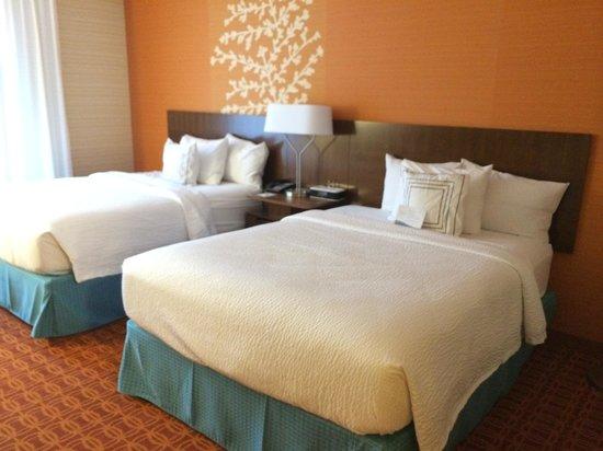 Fairfield Inn & Suites Ithaca: Standard Room w/2 Queen Beds