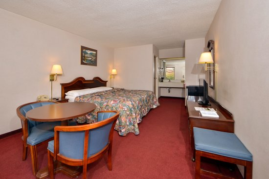 Nation's Inn: 1 king size bed