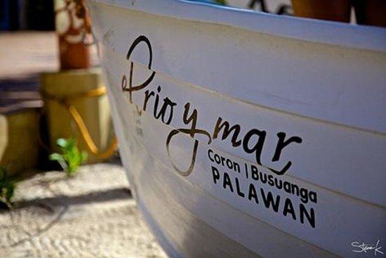 El Rio y Mar Resort: El Rio y Mar motor boat.