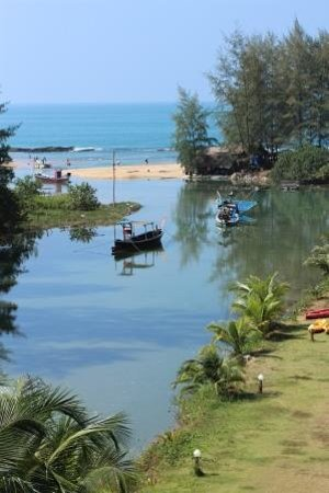 Khao Lak Riverside Resort & Spa : View of the beach from room 301