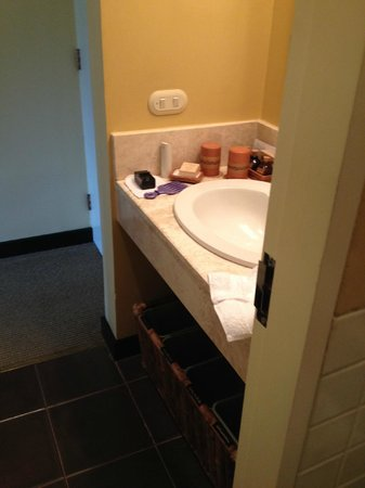 Belmond Sanctuary Lodge: $765 / night:  Standing in the shower/toilet, here's the rest of the bathroom