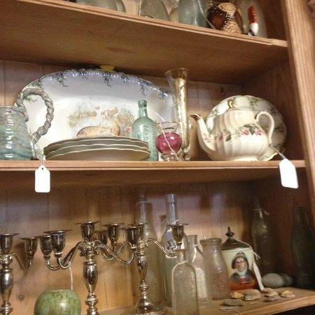 Fletcher's Finds : antiques