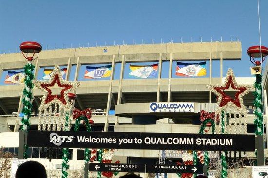 Qualcomm Stadium: Entering the stadium