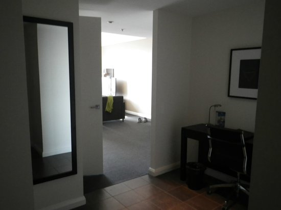 Meriton Serviced Apartments World Tower : View from office area