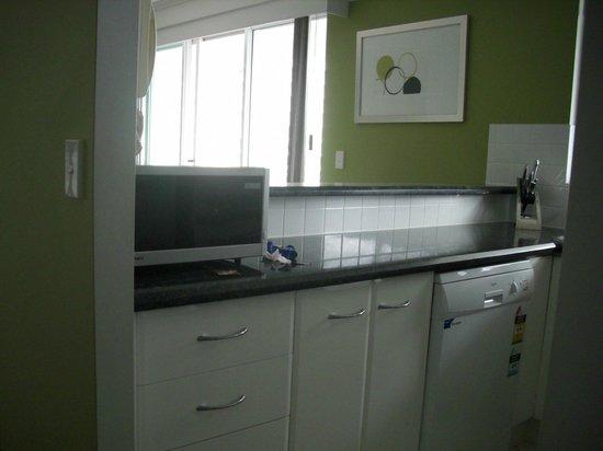 The Crest Apartments: Kitchen