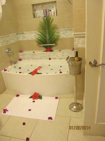 Sandals Ochi Beach Resort: Bubble Bath
