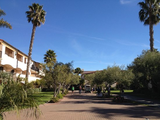 The Fess Parker - A Doubletree by Hilton Resort: the grounds