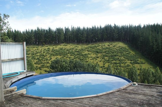 Get Real Backpackers: pool overlooking valley