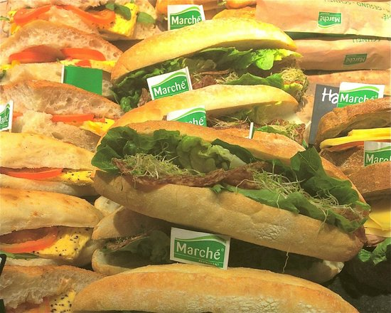 Marche Restaurant : Sandwiches with lots of green for a good diet