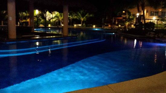 Grand Fiesta Americana Coral Beach Cancun: Swim Up bar