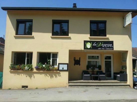 Challes-la-Montagne, France: Chez nous, tout est fait maison !