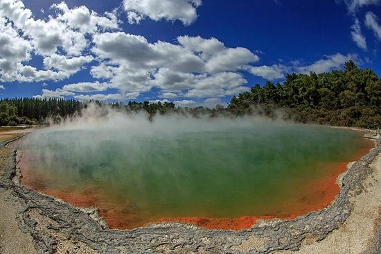 Wai-O-Tapu Thermal Wonderland: Champagne Pool