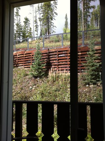 Skiway Lodge: view from balcony of Suite 4