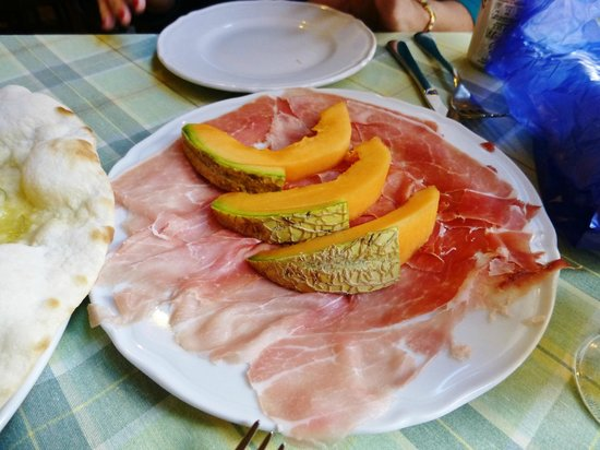 Porta Castello : prosciutto and melon