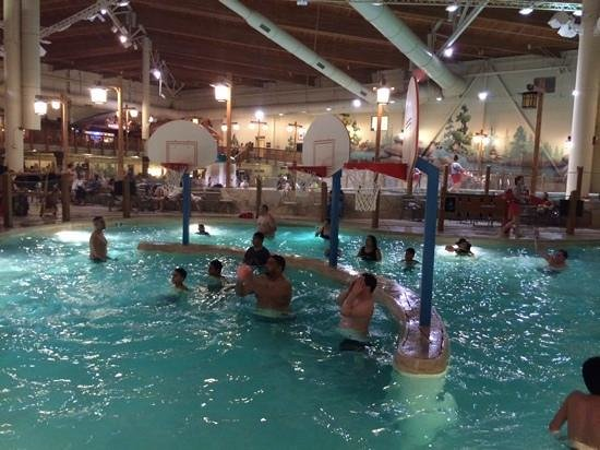 Great Wolf Lodge: Basketball
