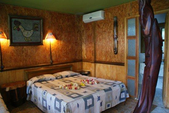 Hotel Manavai : chambre, il y a un coffre fort pour info